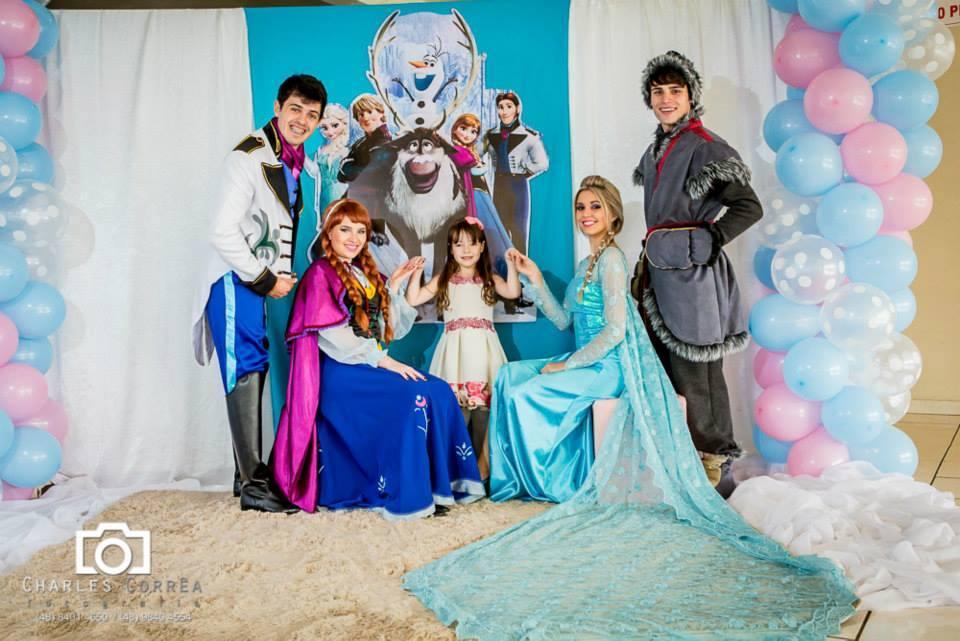 Animação da festa da Maria Cecília – com o tema Frozen