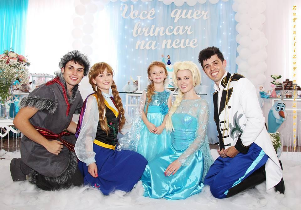 Animação da festa da Luiza, com o tema Frozen – em Videira