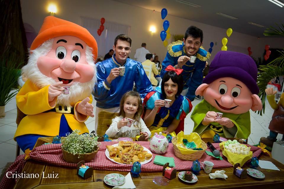 Animação da festa da Manuela – Com o tema Branca de Neve e os 7 anões – em Concórdia